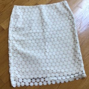 Talbots size 8 cream skirt